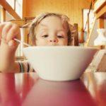 Nie zmuszaj dziecka do jedzenia