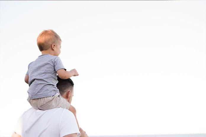 Ojciec i syn - opieka w trakcie pandemii